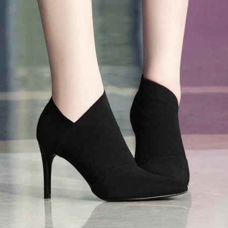 model high heels keren