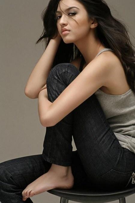 27 Gaya Fashion Raline Shah (20)