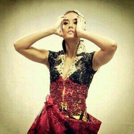Agnezmo kebaya from Anne Avantie