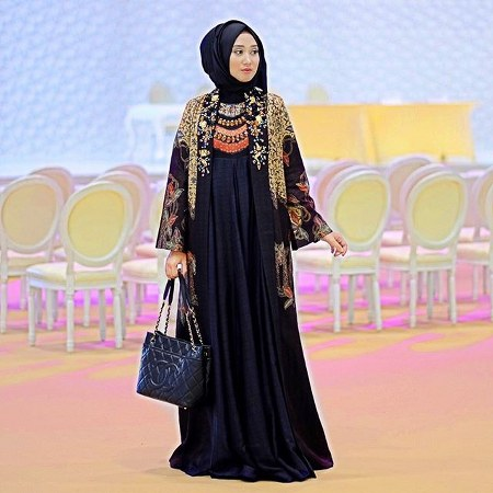 Model Baju Pesta Dian Pelangi 20 Desain Baju Muslim
