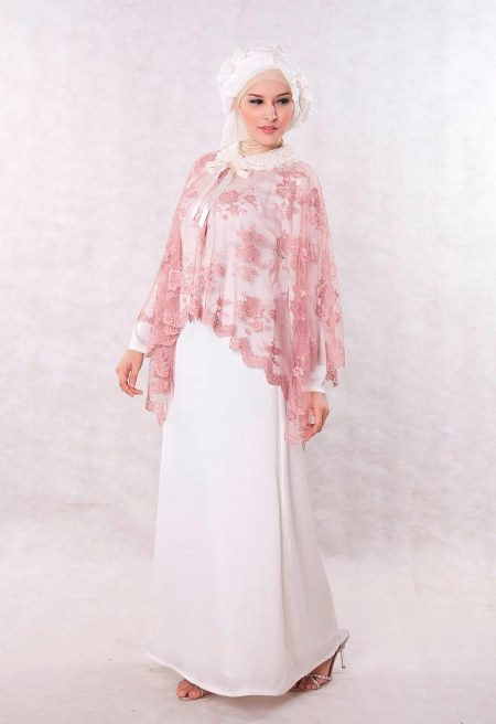 Baju-Pesta-Muslim-Broken-White-Sweet-Romantic-Dress