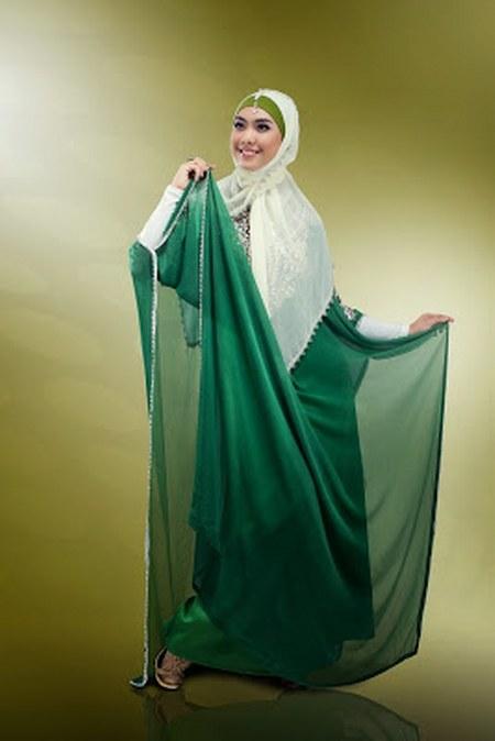 Desain Baju Muslim Pesta Anggun Oki Setiana Dewi