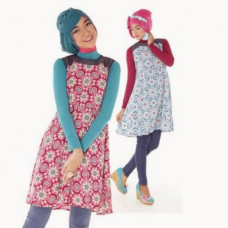 Gambar-koleksi-baju-muslim-Zoya-dengan-tunik-floral
