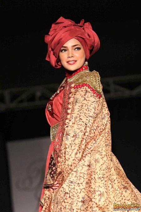 Hijab Dewi Sandra (2)