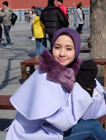 Hijab Santai ala Laudya Cynthia Bella (11)