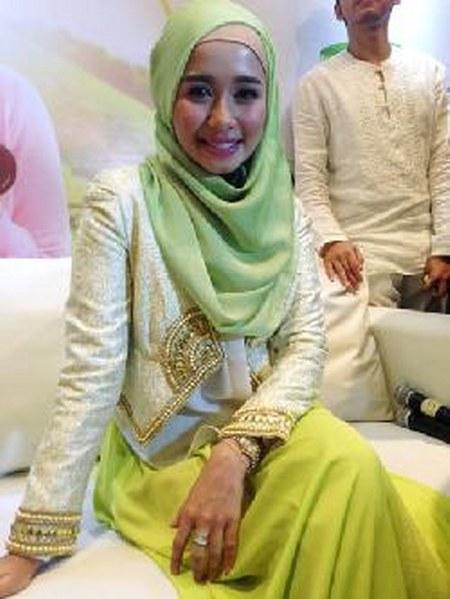 Hijab Santai ala Laudya Cynthia Bella (3)