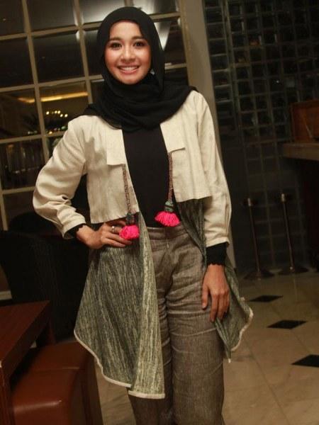 Hijab Santai ala Laudya Cynthia Bella (5)