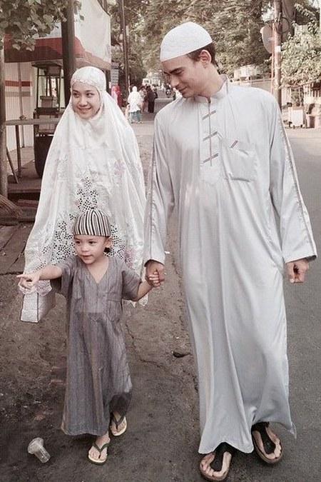 Hijab Simpel ala Bunga Citra Lestari (2)