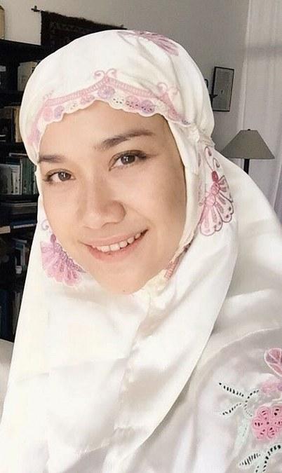 Hijab Simpel ala Bunga Citra Lestari (4)