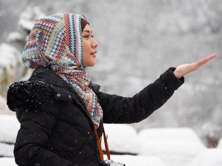 Hijab Simpel ala Bunga Citra Lestari