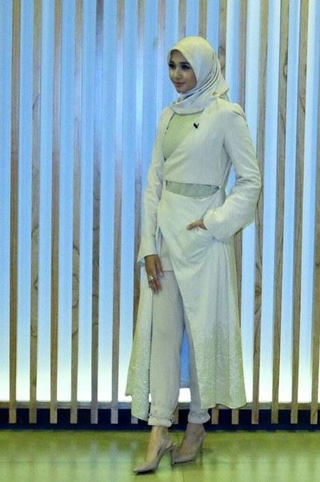 Inspirasi dari Busana Hijab Laudya Cynthia Bella (11)