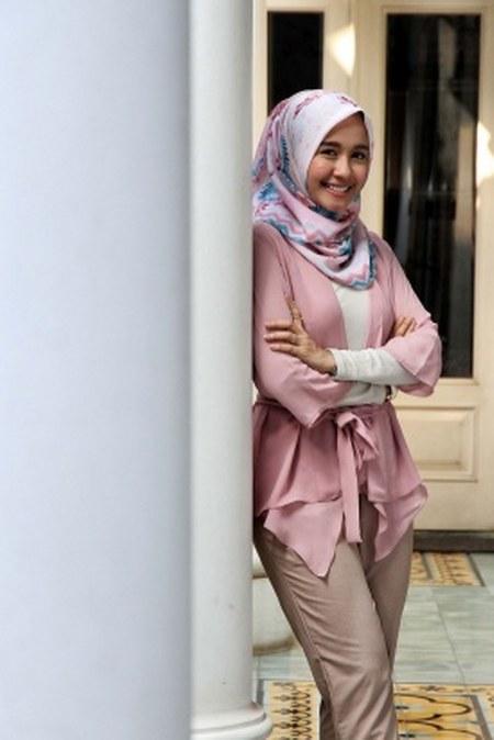 Inspirasi dari Busana Hijab Laudya Cynthia Bella (22)
