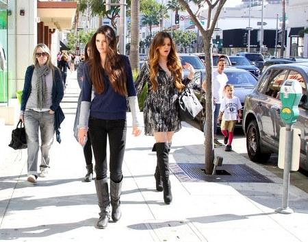 Kendall+Jenner+Boots+Knee+High+Boots+bEivWoobJlLl