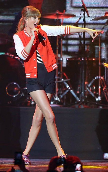 Koleksi Jaket Taylor Swift (11)