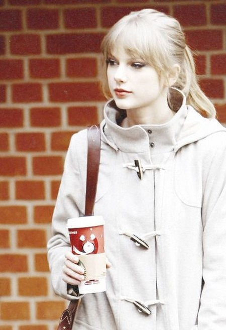 Koleksi Jaket Taylor Swift (13)