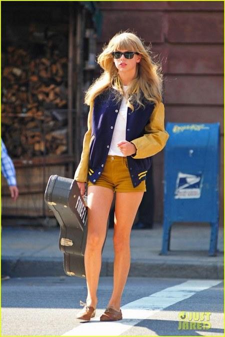 Koleksi Jaket Taylor Swift (15)