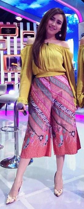 Model Baju Ayu Ting Ting Terbaru 2016 (2)