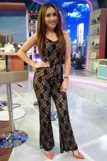 Model Baju Ayu Ting Ting Terbaru 2016 (3)