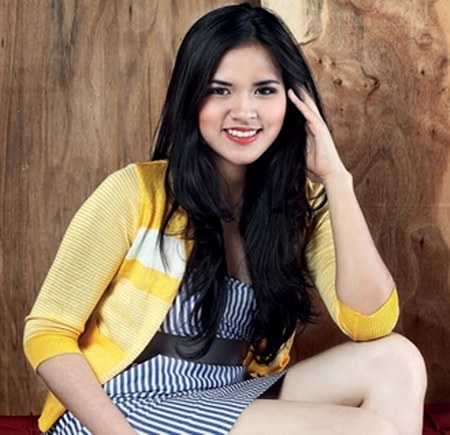 Model Busana Raisa Andriana (17)