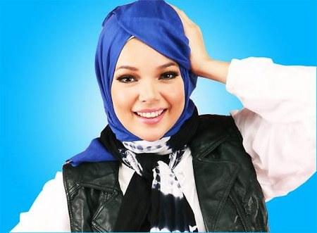 Model Hijab ala Dewi Sandra (13)