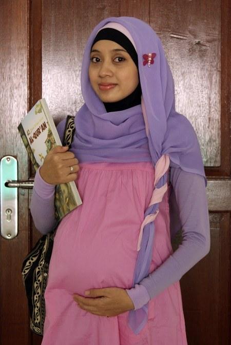 Model-baju-hamil-muslim-untuk-kerja