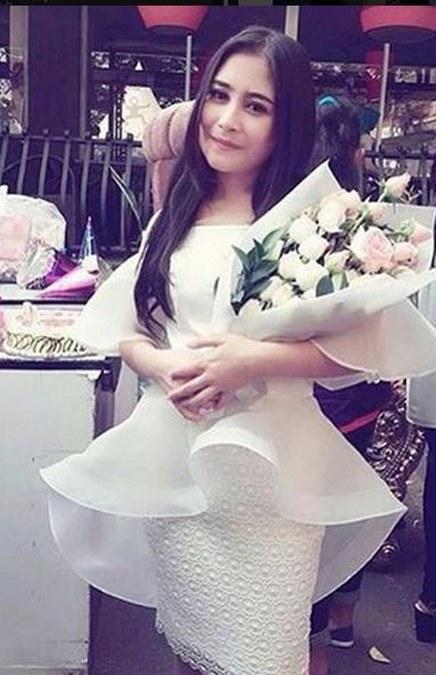 Prilly Latuconsina (34)