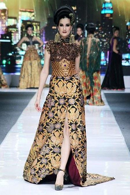 14 Inspirasi Desain Kebaya Modern Kombinasi Batik Karya ...