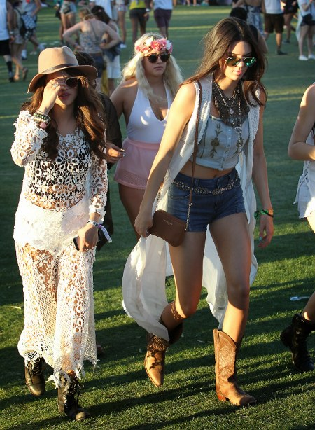 Selena-Gomez-and-Kendall-Jenner-02