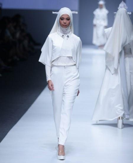 Inspirasi Hijab Yang Mempesona Di Jakarta Fashion Week 2016 Ide Model Busana