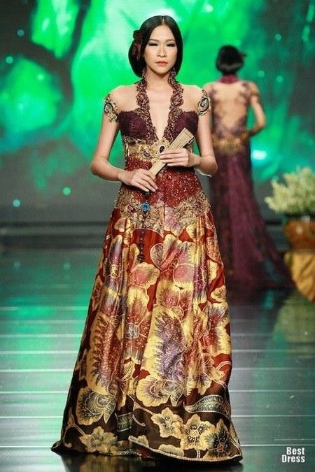 batik and kebaya
