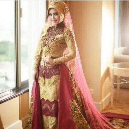 kebaya-pengantin-muslim-berekor