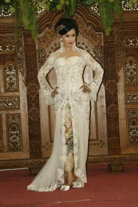 kebaya-pengantin-putih_450x675