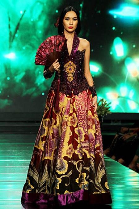 model-baju-batik-anne-avantie