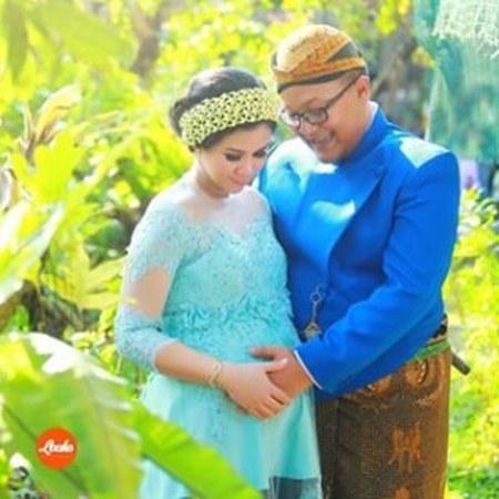 17 Ide Kebaya Modern Untuk Ibu Hamil Ide Model Busana