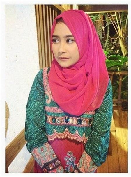 Hijab Prilly Latuconsina
