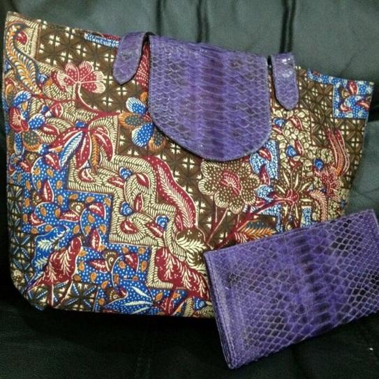 tas dan dompet batik lawasan kombinasi kulit ular phyton