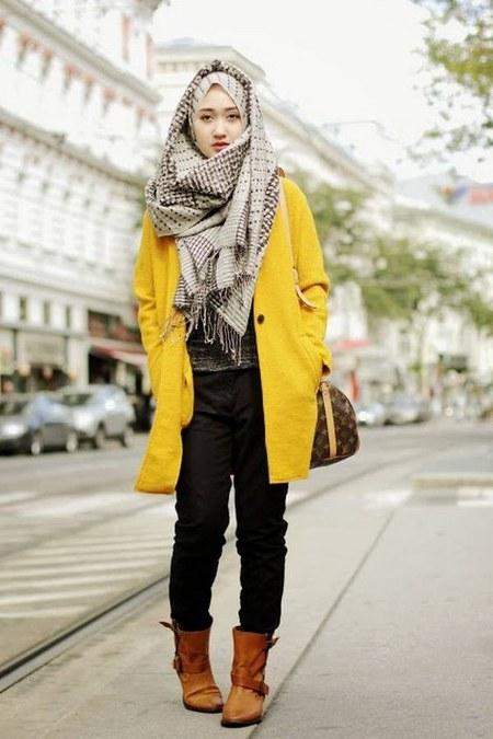 Dress Hijab Dan Sepatu Boot Bikin Kamu Tambah Modis Ide Model Busana
