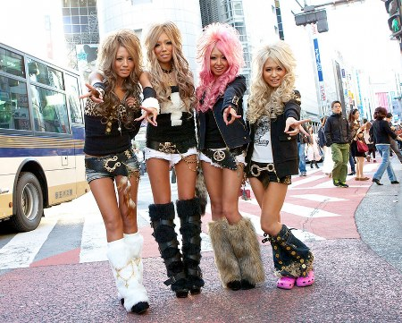 street fashion jepang gyaru style