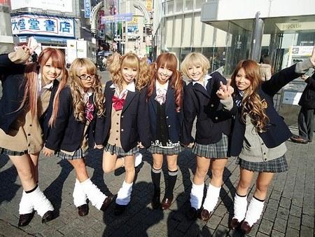 street fashion jepang kogal style