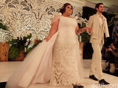 gaun pengantin modern untuk orang gemuk