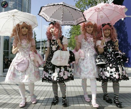 lolita street fashion