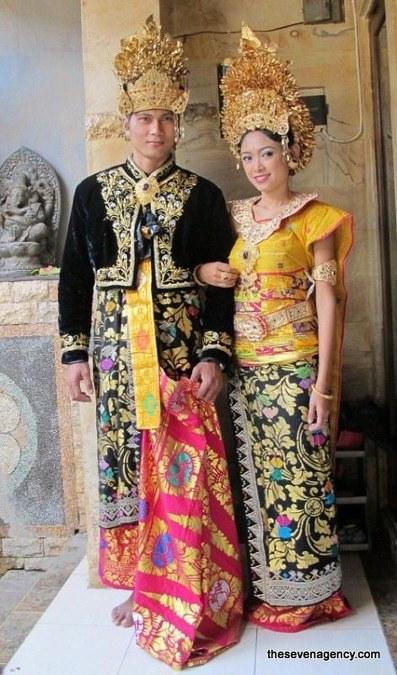 Busana Pengantin Adat Bali