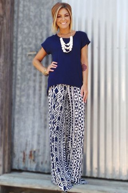 pattern-pants-and-solid-colored-tee