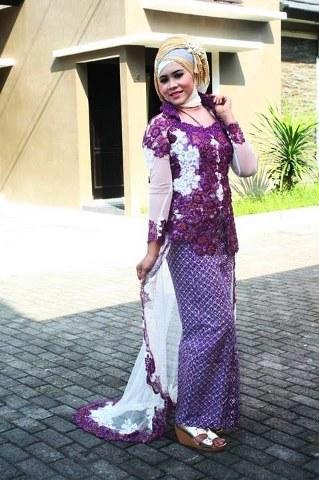 cara-hijab-untuk-wisuda-kebaya-muslim_319x480