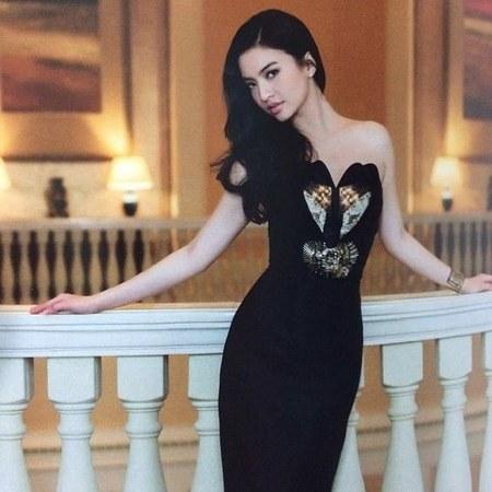 27 Gaya Fashion Raline Shah (10)