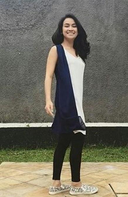 Model Baju Terbaru 2016 Aryani Fitriana