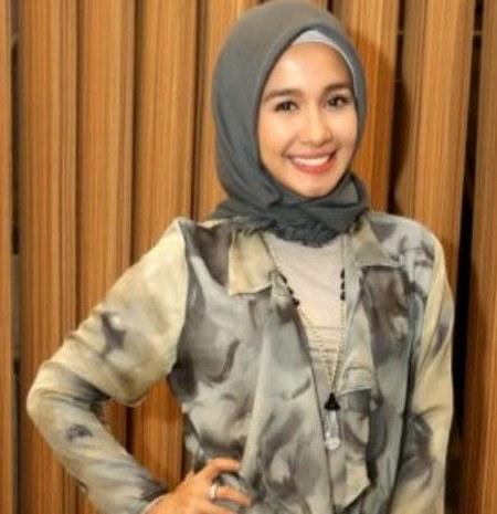 Hijab Santai ala Laudya Cynthia Bella (1)
