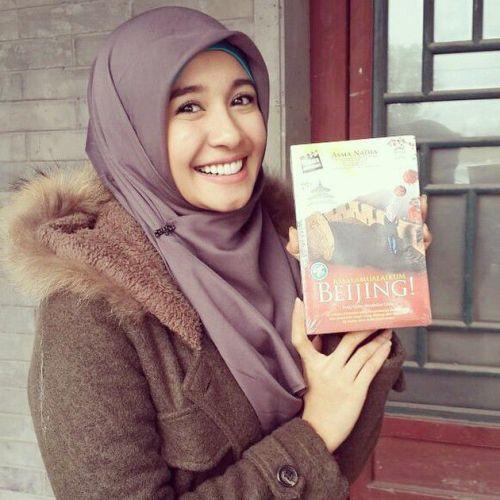 Hijab Santai ala Laudya Cynthia Bella (18)