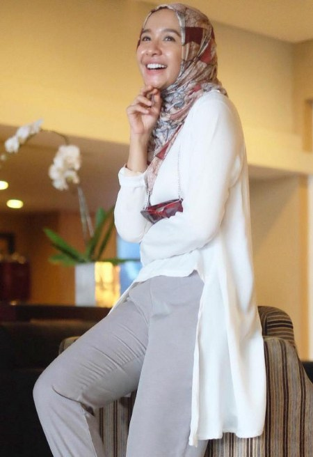 Hijab Santai ala Laudya Cynthia Bella (4)