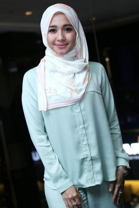 Inspirasi dari Busana Hijab Laudya Cynthia Bella (24)